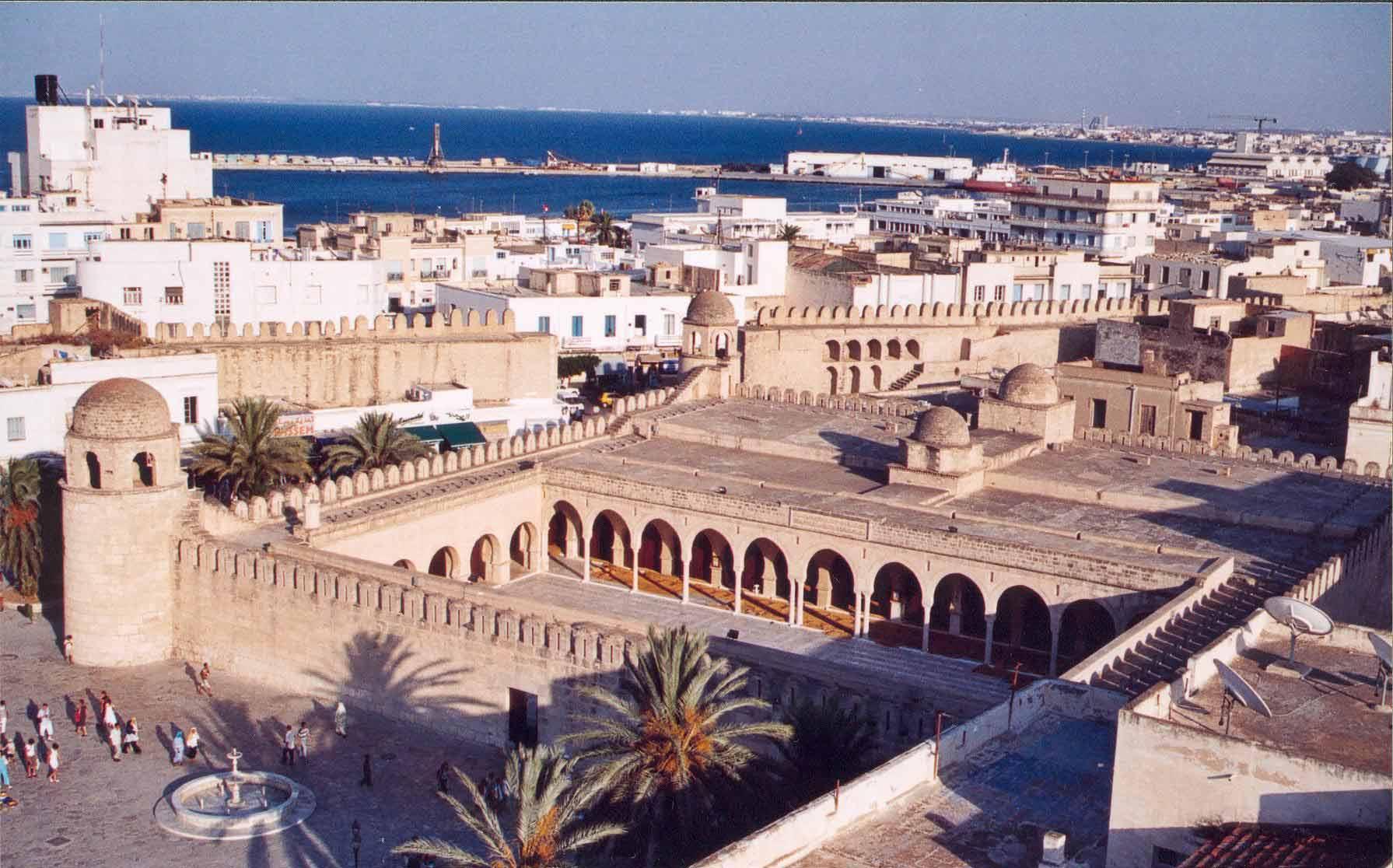 Туніс гарячі путівки