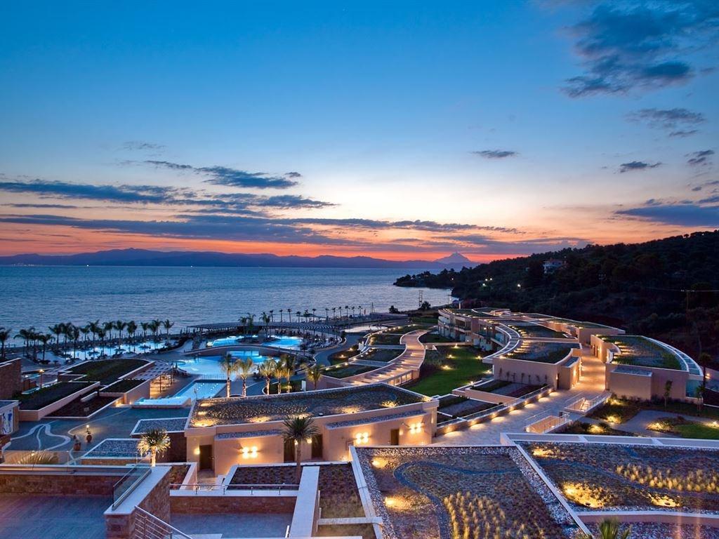 Готель Miraggio Thermal Spa Resort 5*